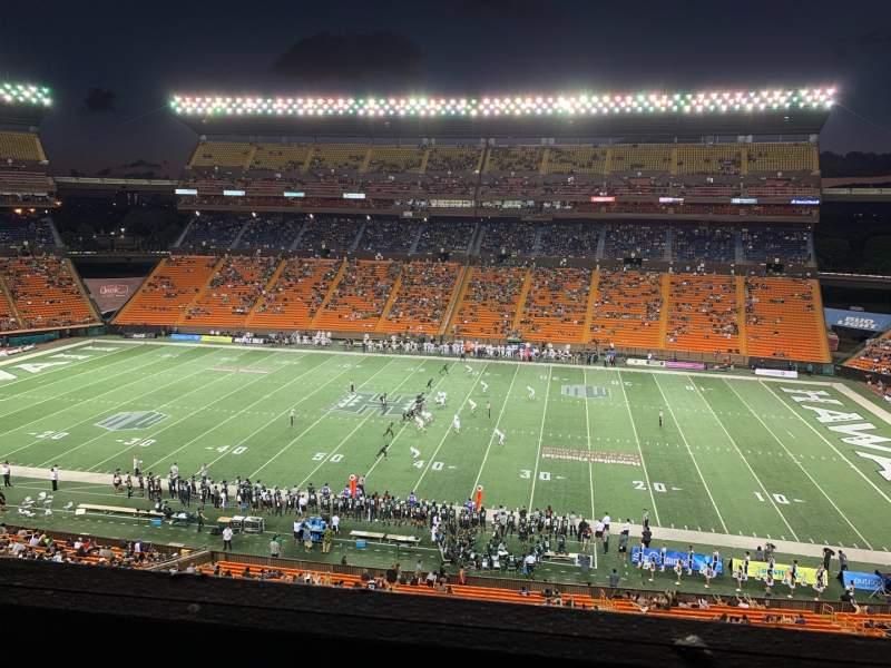 Vista sentada para Aloha Stadium Secção Mauka Brown MM Fila 1 Lugar 7
