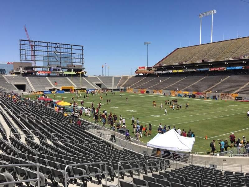 Vista sentada para Sun Devil Stadium Secção 1 Fila 25 Lugar 12