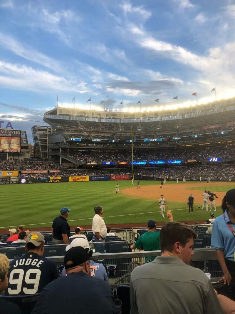 Vista sentada para Yankee Stadium Secção 128 Fila 4 Lugar 3