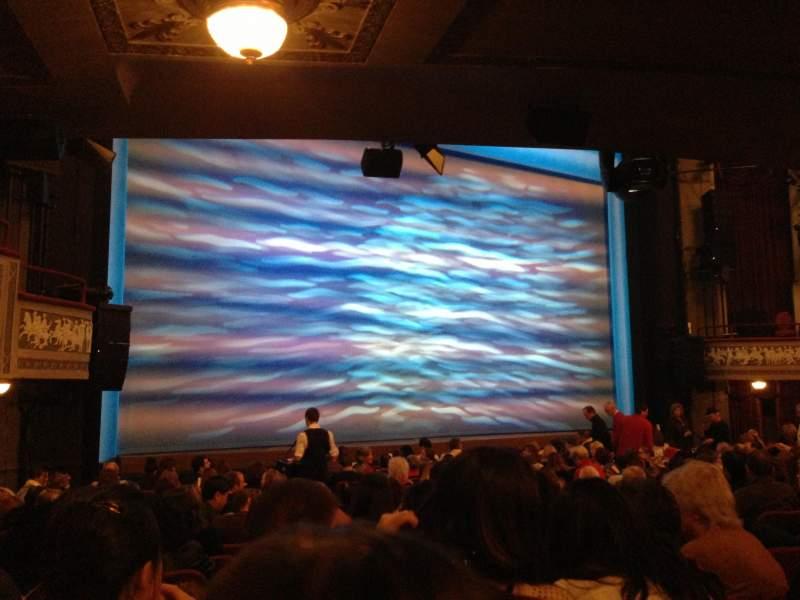 Vista sentada para Broadhurst Theatre Secção Orchestra L Fila O Lugar 13