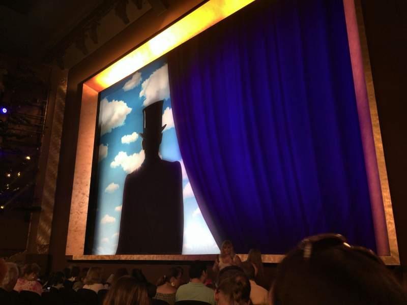 Vista sentada para Lunt-Fontanne Theatre Secção Orchestra R Fila J Lugar 16