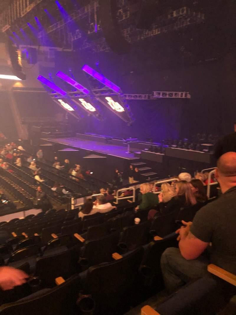Vista sentada para Infinite Energy Arena Secção 106 Fila N Lugar 10