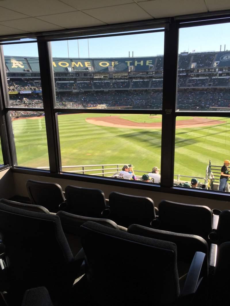 Vista sentada para Oakland Coliseum Secção Club Suite 75