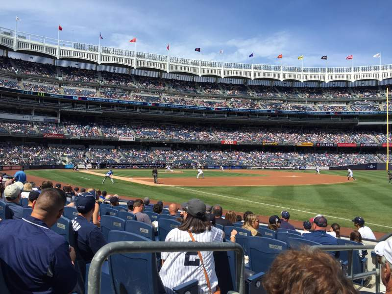 Vista sentada para Yankee Stadium Secção 011 Fila 7 Lugar 9