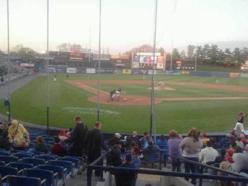 Vista sentada para FirstEnergy Stadium (Reading) Secção Yellow 4 Fila D Lugar 4