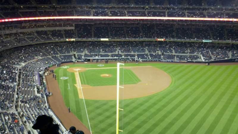 Vista sentada para Yankee Stadium Secção 407a Fila 11 Lugar 23