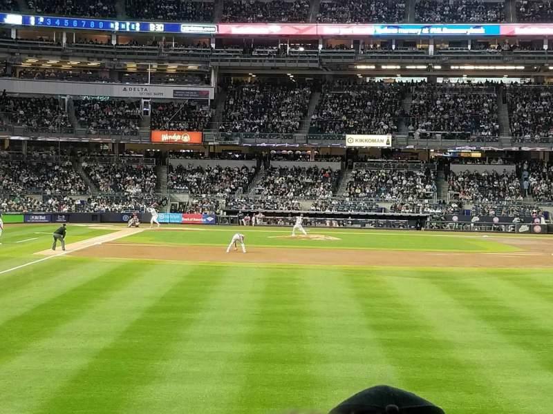 Vista sentada para Yankee Stadium Secção 106 Fila 7 Lugar 1
