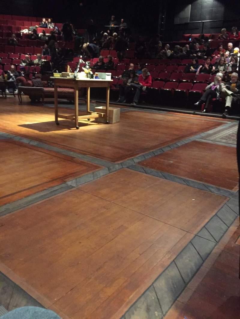 Vista sentada para Circle in the Square Theatre Secção Orchestra 200 (Even) Fila A Lugar 240