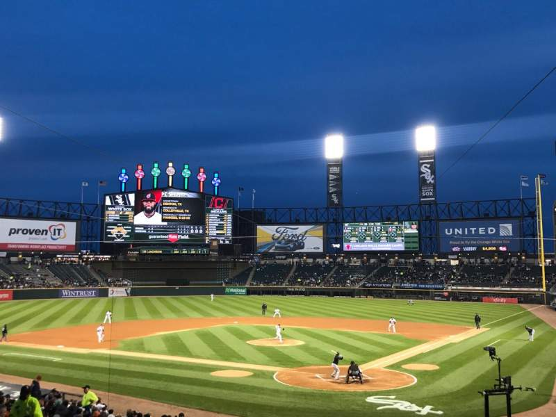Vista sentada para Guaranteed Rate Field Secção 134 Fila 29 Lugar 1
