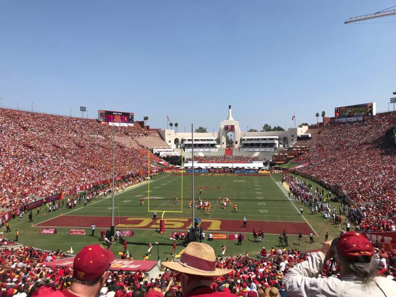 Vista sentada para Los Angeles Memorial Coliseum Secção 14H3 Fila 45 Lugar 104