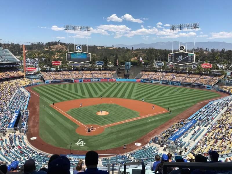 Vista sentada para Dodger Stadium Secção 2RS Fila M Lugar 22
