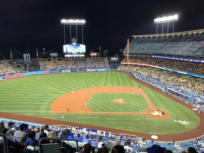 Vista sentada para Dodger Stadium Secção 11RS Fila M Lugar 19