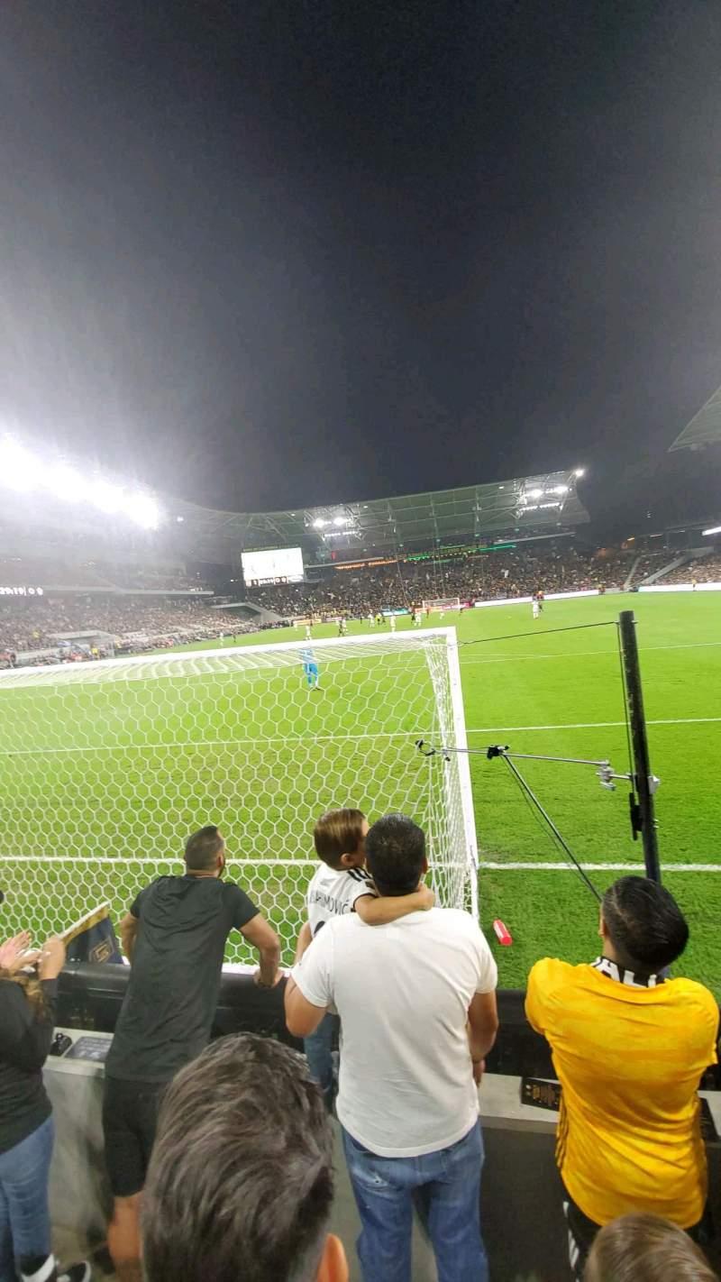 Vista sentada para Banc of California Stadium Secção 122 Fila C Lugar 4