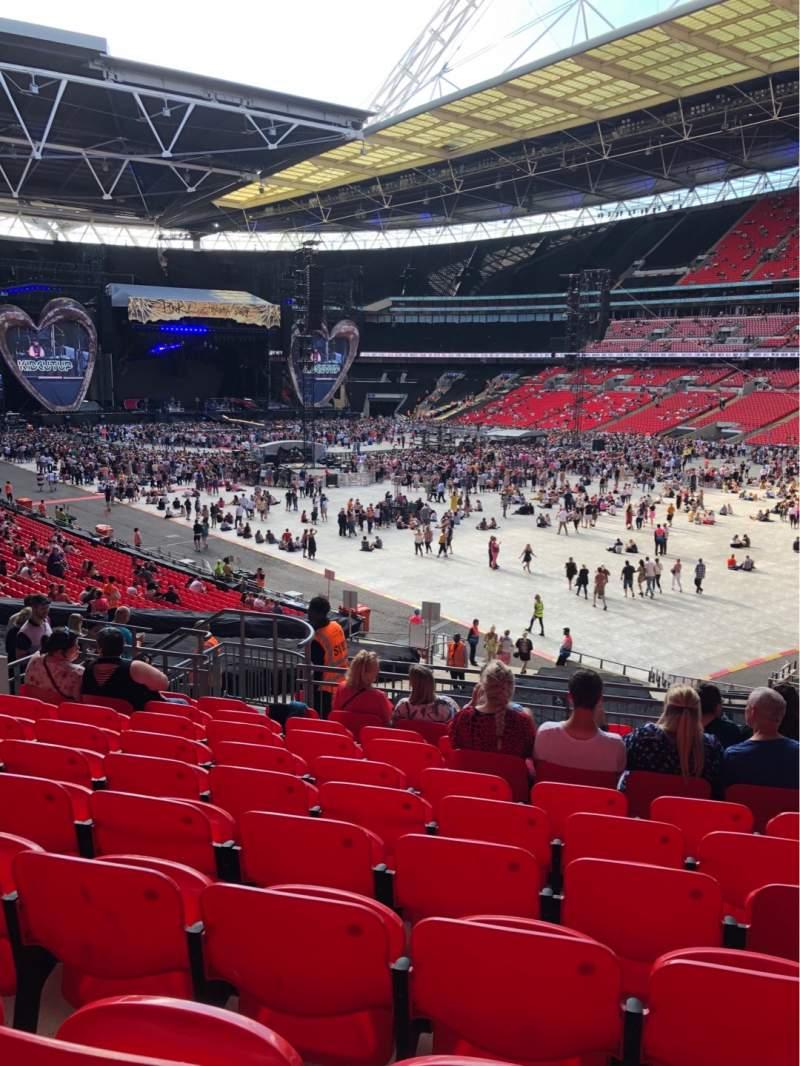 Vista sentada para Wembley Stadium Secção 116 Fila 40 Lugar 145