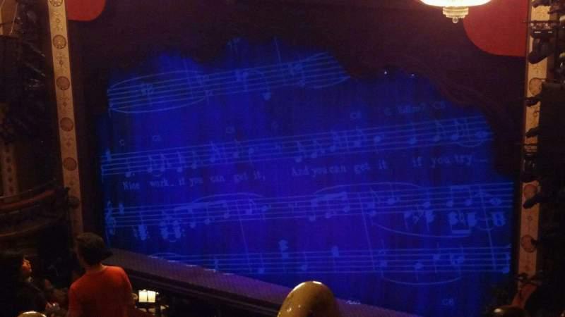 Vista sentada para Imperial Theatre Secção Rear Mezzanine 1 Fila G Lugar 2