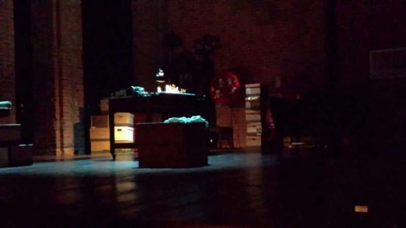 Vista sentada para The Newman Theater at the Joseph Papp Public Theatre Secção Orchestra Fila B Lugar 3