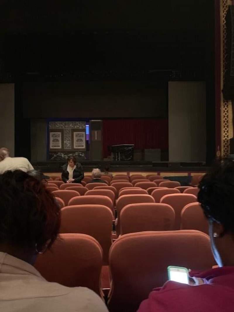 Vista sentada para National Theatre (DC) Secção ORCHESTRA Fila L Lugar 104
