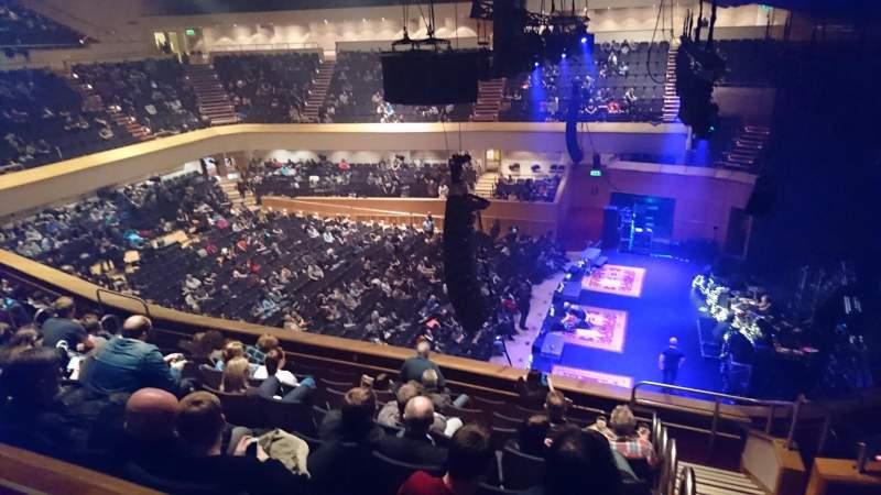 Vista sentada para Glasgow Royal Concert Hall Secção E - Upper Fila F Lugar 2