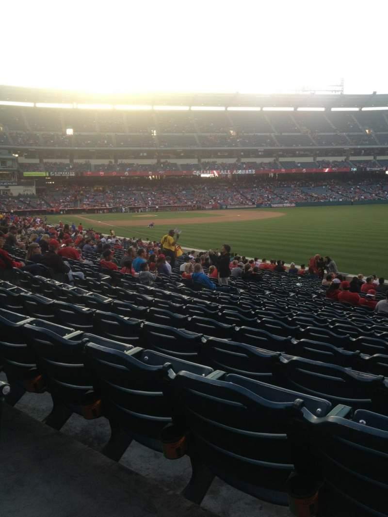 Vista sentada para Angel Stadium Secção 133 Fila X Lugar 15
