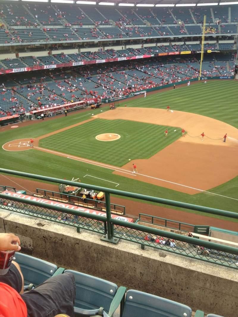 Vista sentada para Angel Stadium Secção 427 Fila C Lugar 7