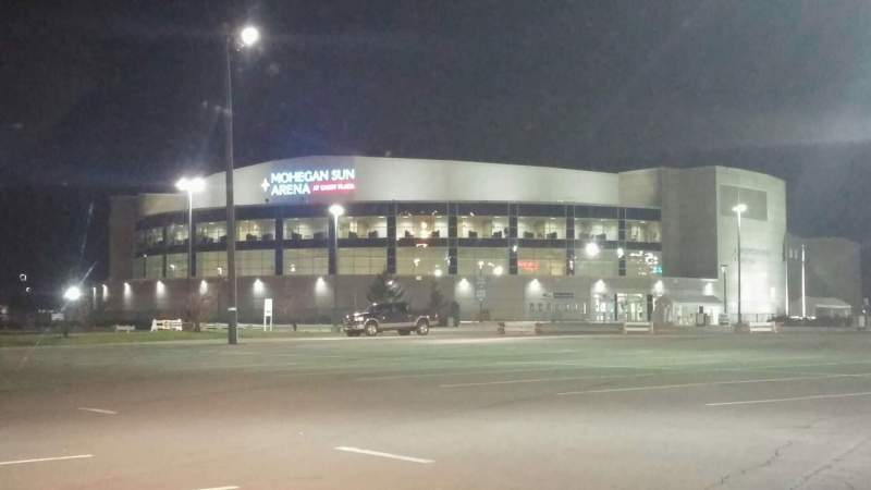 Vista sentada para Mohegan Sun Arena at Casey Plaza Secção Exterior