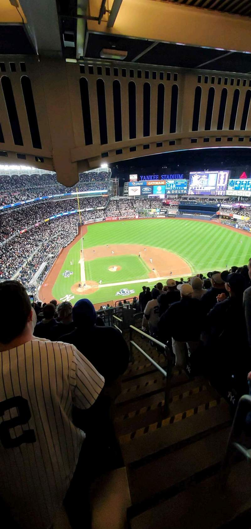 Vista sentada para Yankee Stadium Secção 418 Fila 13 Lugar 1