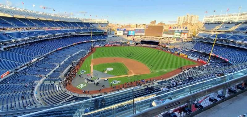 Vista sentada para Yankee Stadium Secção 418 Fila 14 Lugar 1