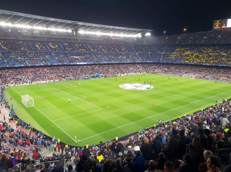 Vista sentada para Camp Nou Secção 329 Fila 35 Lugar 108