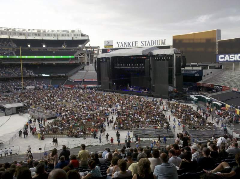 Vista sentada para Yankee Stadium Secção 212 Fila 19 Lugar 18