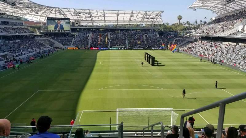 Vista sentada para Banc of California Stadium Secção 223 Fila H Lugar 1