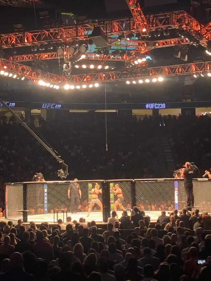 Vista sentada para T-Mobile Arena  Secção 12 Fila C Lugar 10
