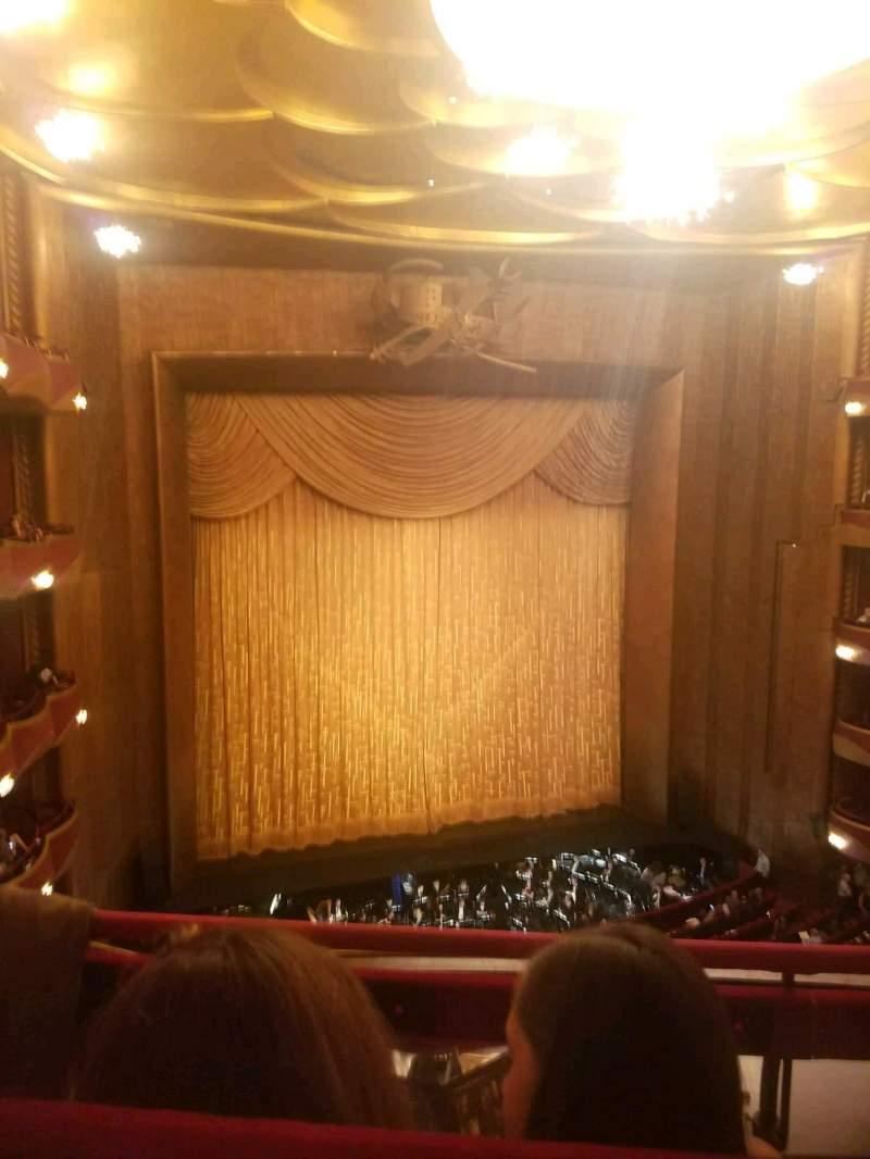 Vista sentada para Metropolitan Opera House - Lincoln Center Secção Balcony Fila B Lugar 9