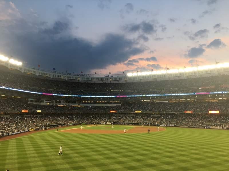 Vista sentada para Yankee Stadium Secção 203 Fila 5 Lugar 2
