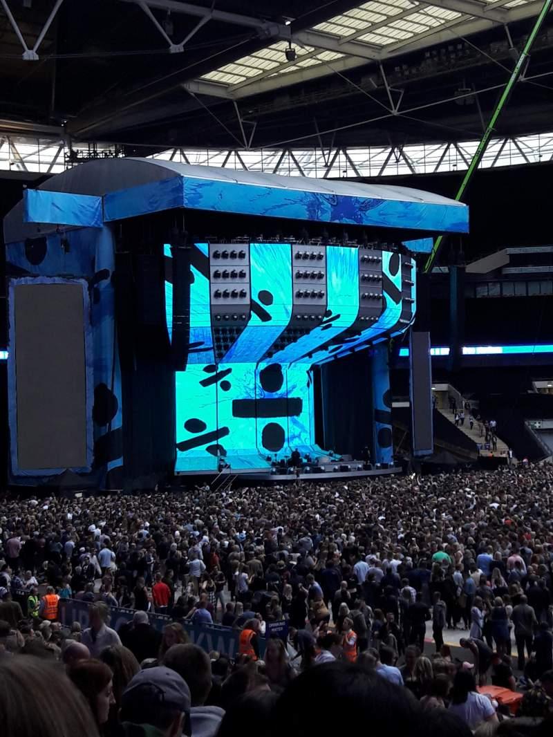 Vista sentada para Wembley Stadium Secção 121 Fila 25 Lugar 281