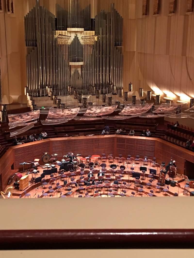 Vista sentada para Davies Symphony Hall Secção 2nd Tier DD Fila A Lugar 113