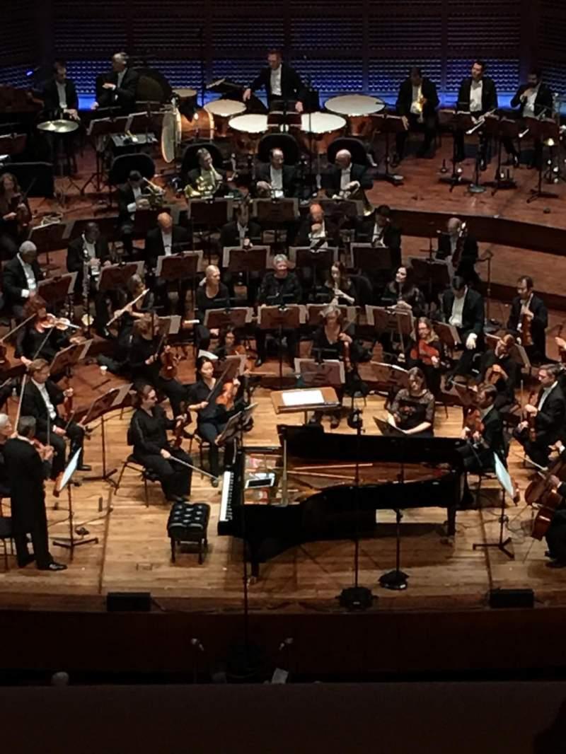 Vista sentada para Davies Symphony Hall Secção 2nd Tier EE Fila B Lugar 107