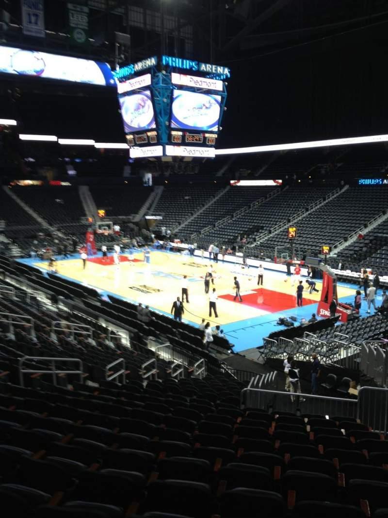 Vista sentada para State Farm Arena Secção 105 Fila X Lugar 2