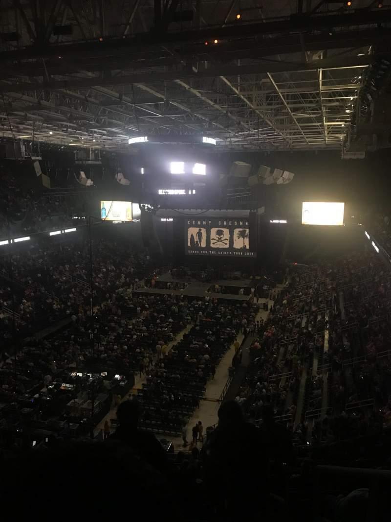 Vista sentada para Greensboro Coliseum Secção 223 Fila Q Lugar 1