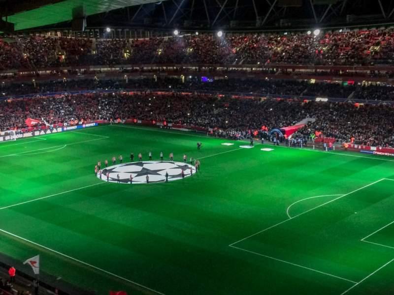 Vista sentada para Emirates Stadium Secção 107 Fila 17 Lugar 455