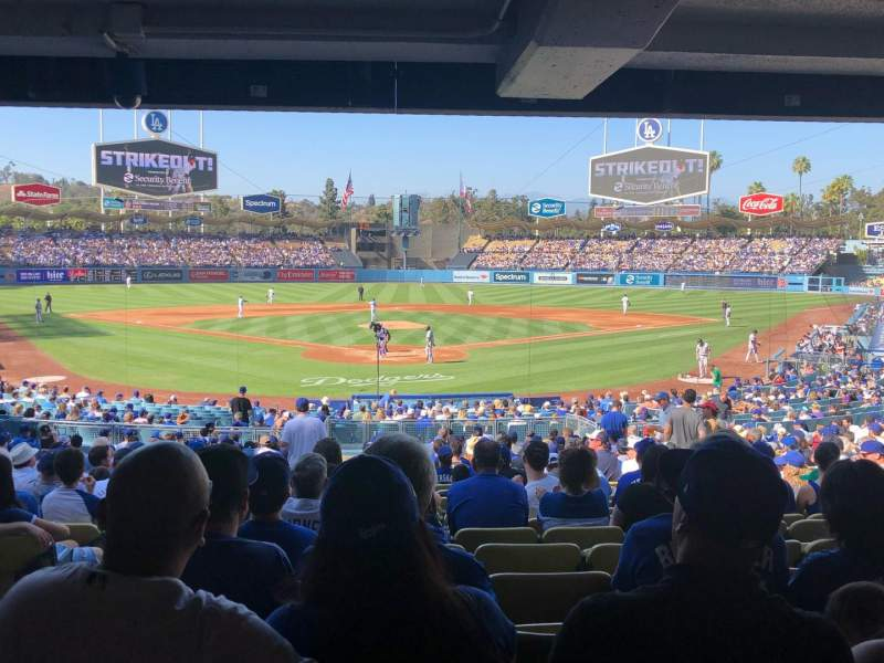 Vista sentada para Dodger Stadium Secção 2DL Fila DR Lugar 2