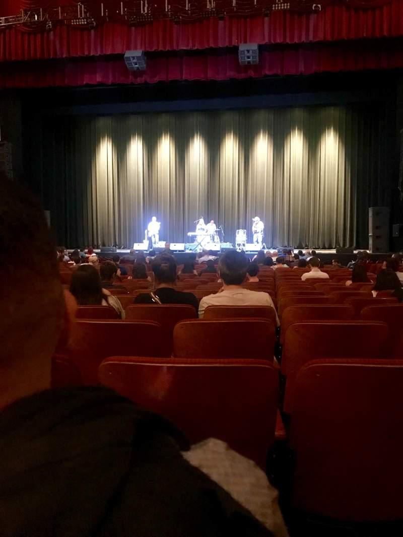Vista sentada para Chicago Theatre Secção MNFL4R Fila D Lugar 412