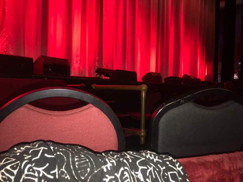 Vista sentada para Chicago Theatre Secção MNFL3L Fila AA Lugar 305