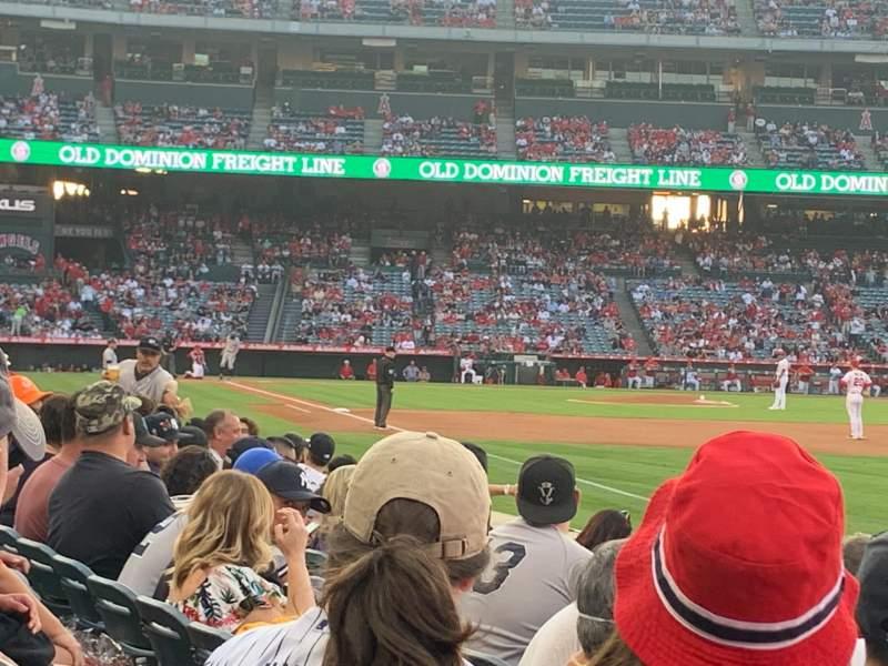 Vista sentada para Angel Stadium Secção 131 Fila F Lugar 2