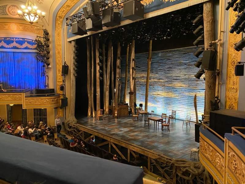 Vista sentada para Gerald Schoenfeld Theatre Secção Mezzanine R Fila A Lugar 20