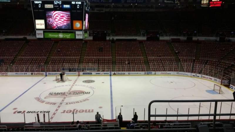 Vista sentada para Joe Louis Arena Secção 221 Fila 5 Lugar 2