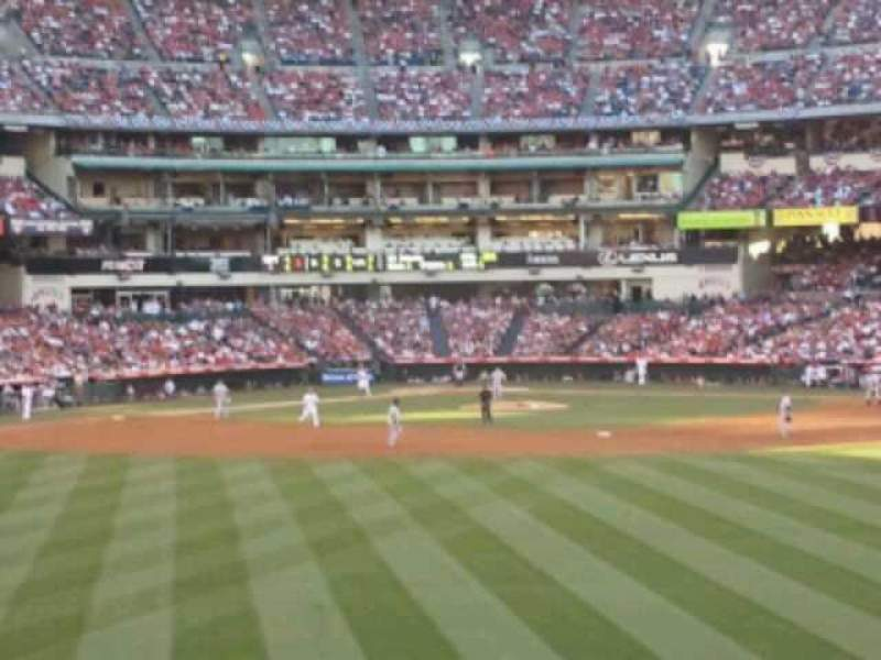 Vista sentada para Angel Stadium Secção 257