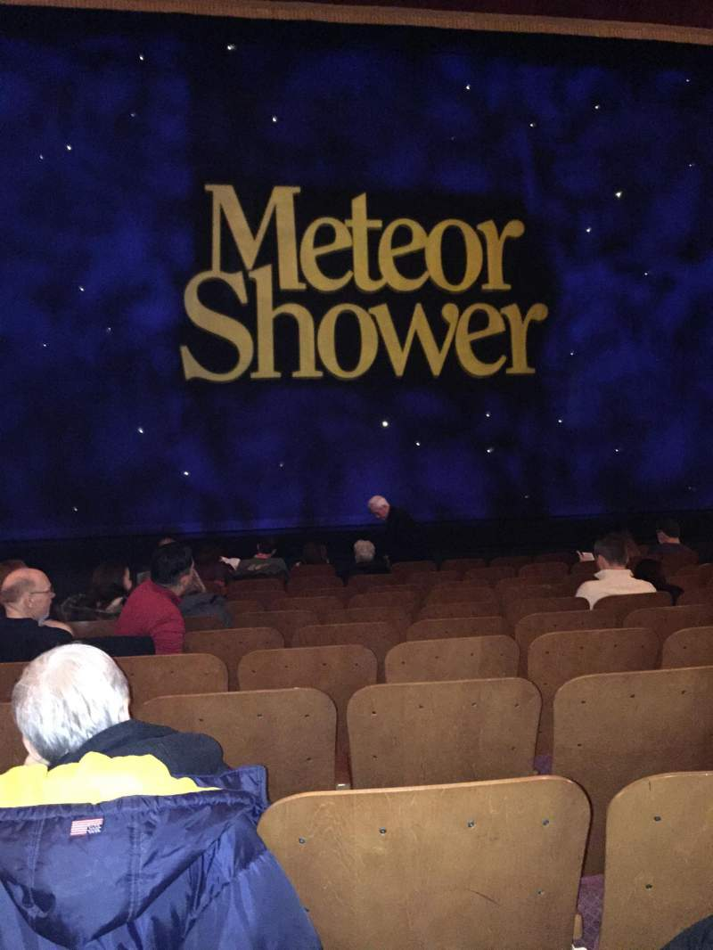 Vista sentada para Booth Theatre Secção Orchestra C Fila J Lugar 106