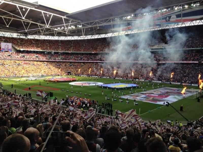 Vista sentada para Wembley Stadium Secção 139 Fila 40 Lugar 170