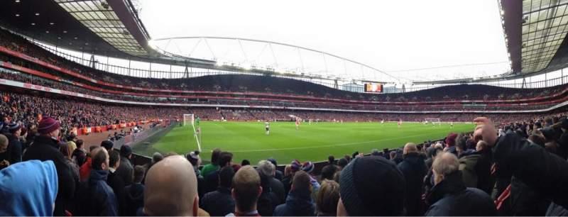 Vista sentada para Emirates Stadium Secção 20 Fila 8 Lugar 622