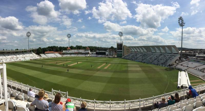 Vista sentada para Trent Bridge Secção Main stand Fila Middle Tier